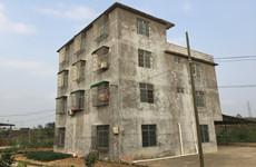 南宁青秀区南宁东站附近建筑面积560平整栋楼及2亩空地出租