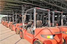 专业批发、销售、保养及回收各类叉车、实心胎及配件