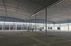 石埠中学斜对面多间30一15000平铺面、厂房仓库、场地